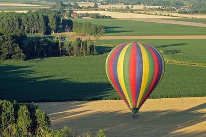 Photo aérienne d'une montgolfière en Indre-et-Loire (37), région Centre, France, Europe